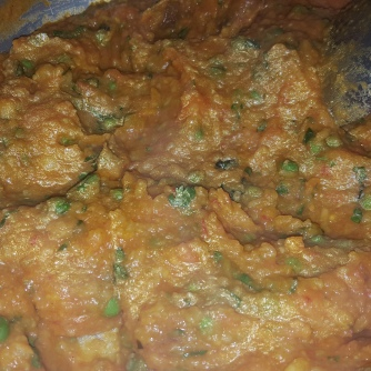 Tada, its ready, can be served with lemon slice and green chillies on the side